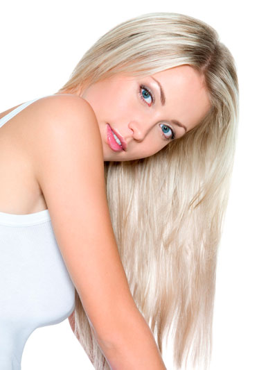 557809_blondinka_pricheska_volosyi_5412x7216_(www.GdeFon